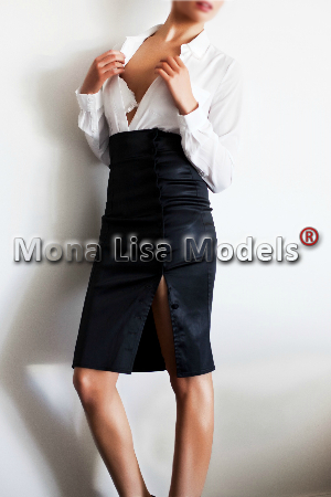 elite-model-white-blouse