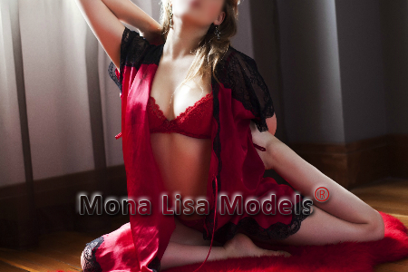 tantric-model-red-lace