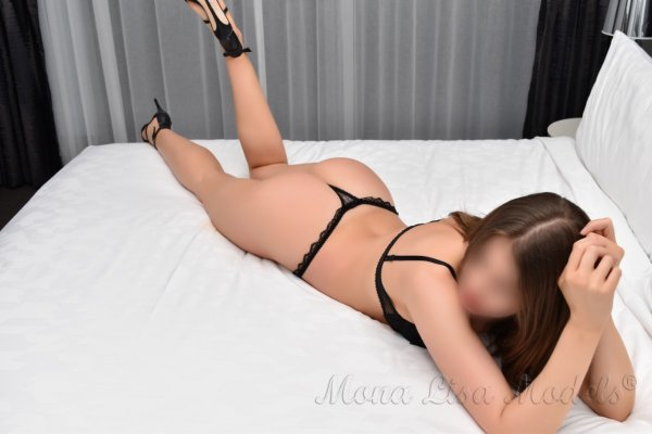 Alisia international escort in Sydney-1-2